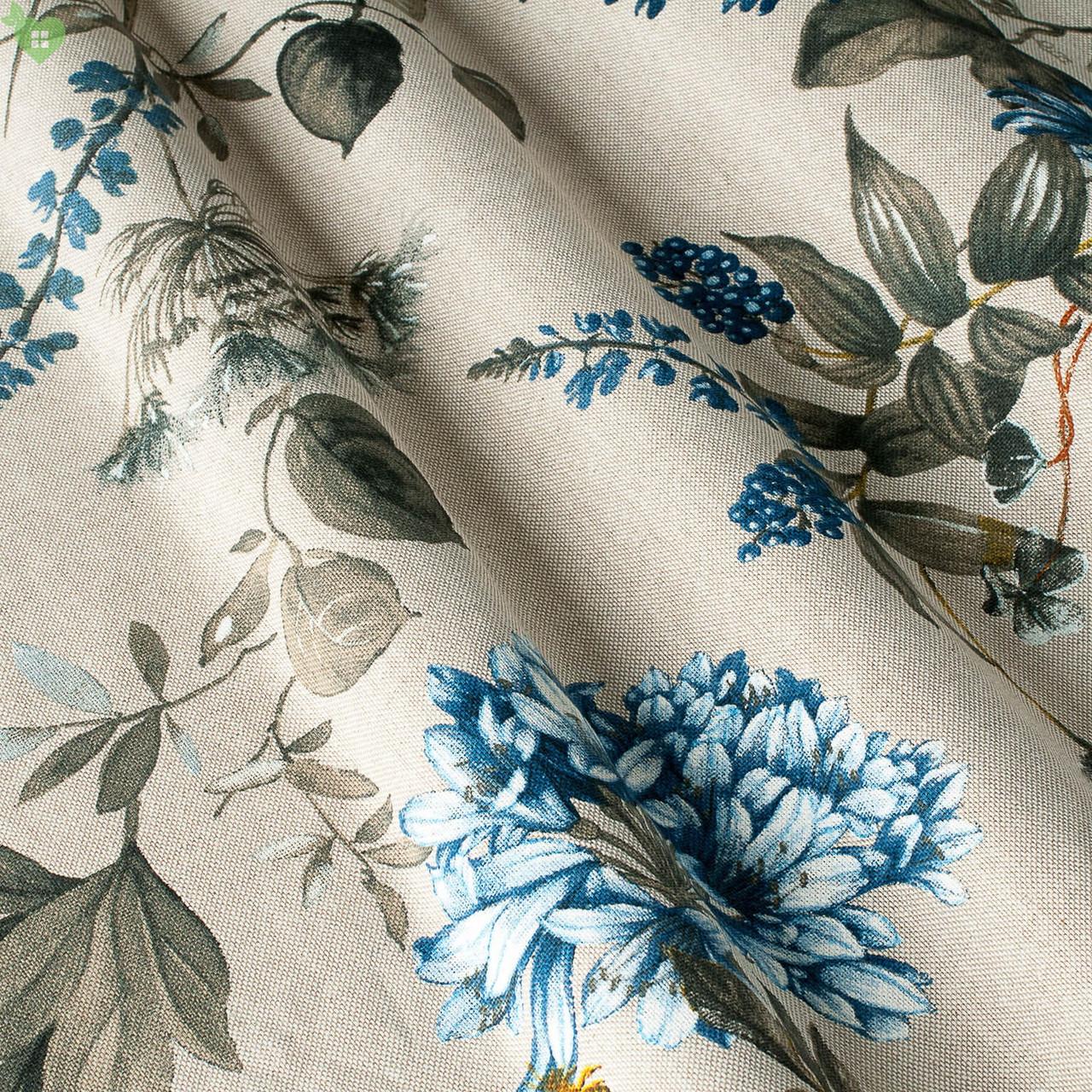 Декоративная ткань с мелкими полевыми цветами василькового цвета на светло-сером фоне Испания 82825v2