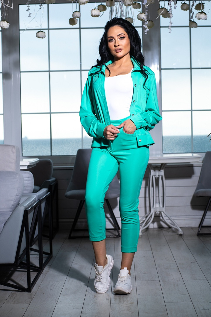 Костюм брючный  с укороченными брюками и курткой свободного кроя,5 цветов,  р.44,46,48,50 Код 1030В