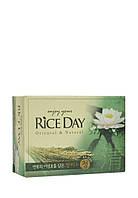 Мыло туалетное с экстрактом лотоса CJ Lion Rice Day Oriental  Natural Lotus Soap, 100 г