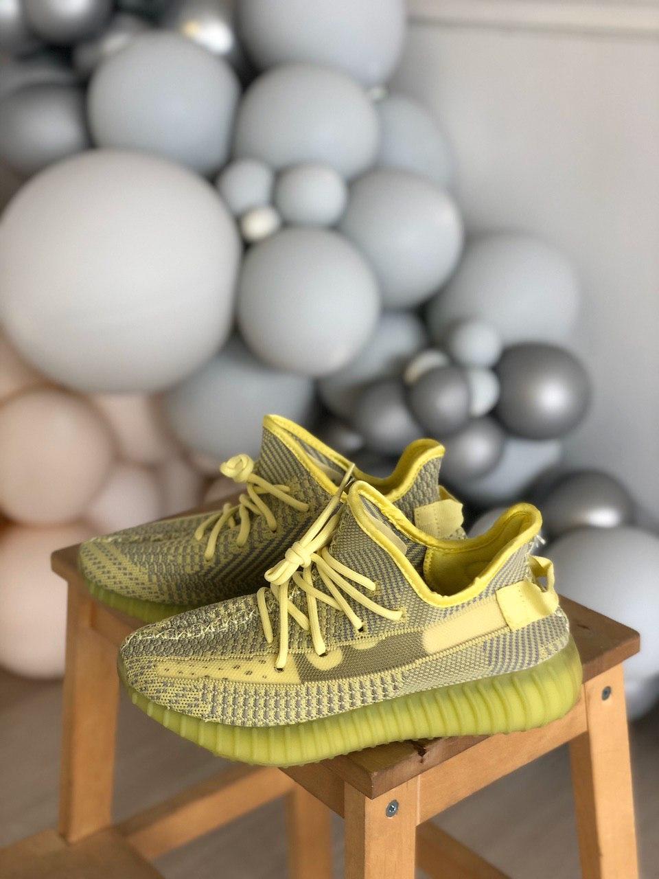 Женские кроссовки Adidas Yeezy Boost 350, Реплика