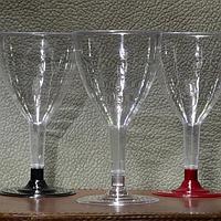 Бокал для вина пластик