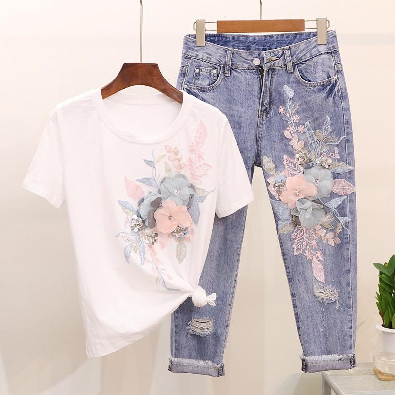 Женский костюм джинсы с аппликацией и футболка 7910652