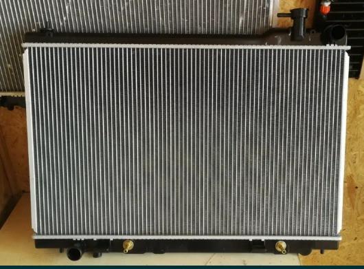 Радіатор INFINITI FX35 03--08/ INFINITI QX / радіатор кондиціонера