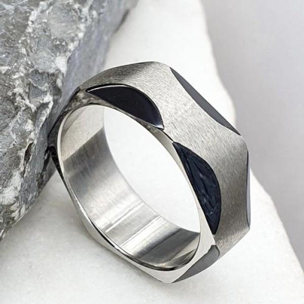 Кольцо из медицинской стали с черной эмалью 175942