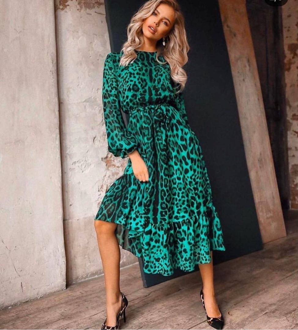Нарядное платье миди с леопардовым принтом