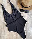Слитный черный купальник с глубоким декольте и съемным ремешком, фото 4
