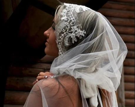 Праздничные платки и шарфы: свадебные, пасхальные