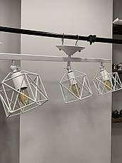 Потолочная люстра с тремя белыми плафонами, фото 3