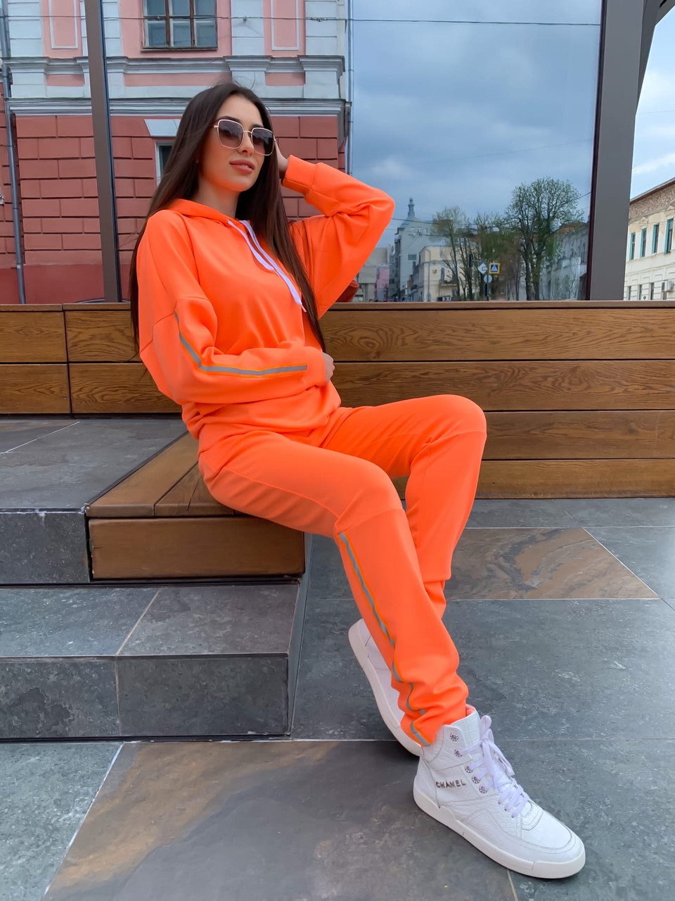 Женский спортивный костюм с зауженными штанами и свободным худи 63rt903