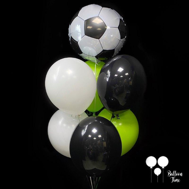 Фонтан шаров для маленького футболиста