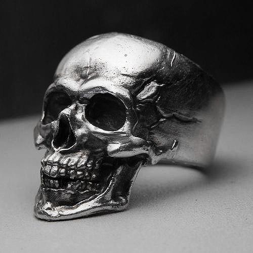 Кольцо серебряное Череп КЦ-101 Б
