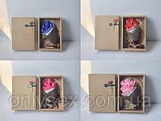 Букет из 7 мыльных роз в подарочной коробке