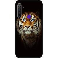 Силиконовый чехол для Realme 5 с картинкой Тигр на черном фоне