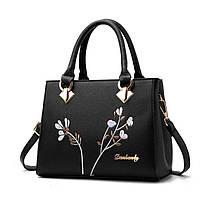 Женская сумка классическая черная с цветами и длинным плечевым ремнем