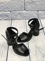 Черные стильные босоножки на каблуке 8 см каблук, кожа или замша пошив размеры 36-40, фото 3