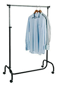 Одинарная стойка для одежды на колесиках.