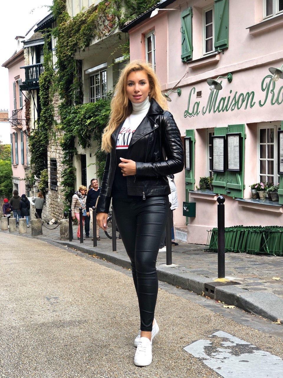 Черная стильная кожаная косуха про-во Турция со стеганым плечом