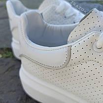 Кросівки ALEXANDER MCQUEEN з рефлективом |копія| білі на товстій підошві високі еко шкіряні перфорація, фото 2