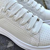 Кросівки ALEXANDER MCQUEEN з рефлективом |копія| білі на товстій підошві високі еко шкіряні перфорація, фото 3