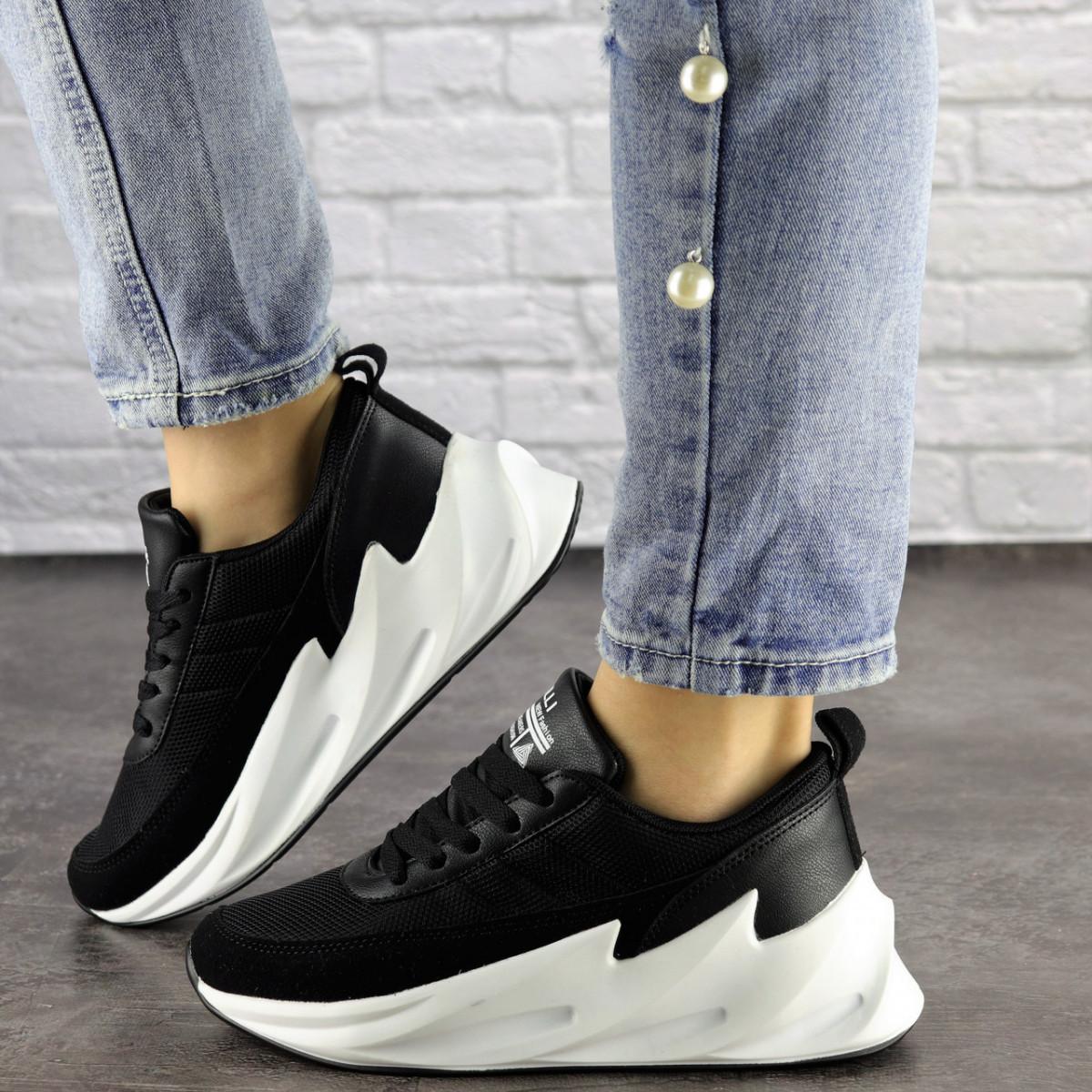 Кросівки жіночі чорні текстиль