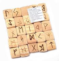 Набор деревянных рун для гадания с аннотацией Сосна