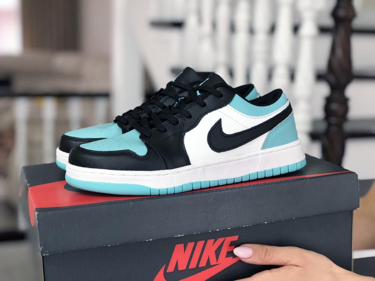 Кроссовки женские Nike Air Jordan 1 Low белые с мятой/черные
