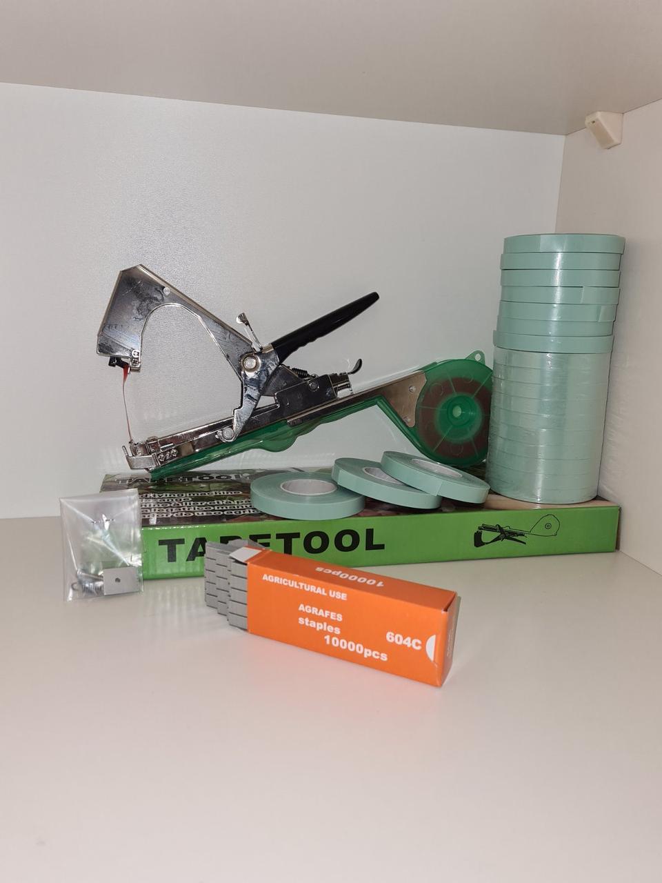 Набор для подвязки винограда❦, овощей☘ и малины❁: степлер Tapetool✚лента 350 метров✚скобы 10000 штук