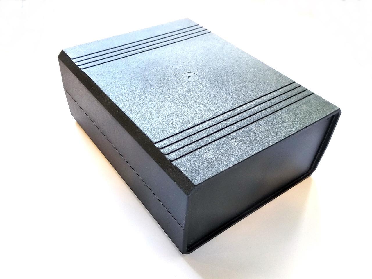 Универсальный пластиковый корпус N11A
