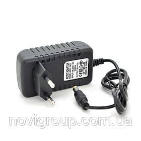 Імпульсний блок живлення YM-0920 9В 2А (18Вт) штекер 5.5 / 2.5 довжина 0,9 м Q250