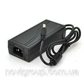 Імпульсний адаптер живлення 12В 4А (48Вт) LX-1204UV штекер 5.5 / 2.5 + кабель живлення, довжина 1,20 м Q100