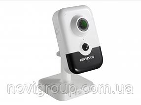 4МП кубічна камера зі звуком і SD картою Hikvision DS-2CD2443G0-I (2.8 мм)