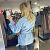 Джинсовый удлиненный пиджак с поясом, фото 9