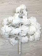 Белые листья гинкго билоба ( 60 см )