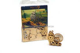 Механическая сувенирно-коллекционная модель «Wood Trick» - Улитка