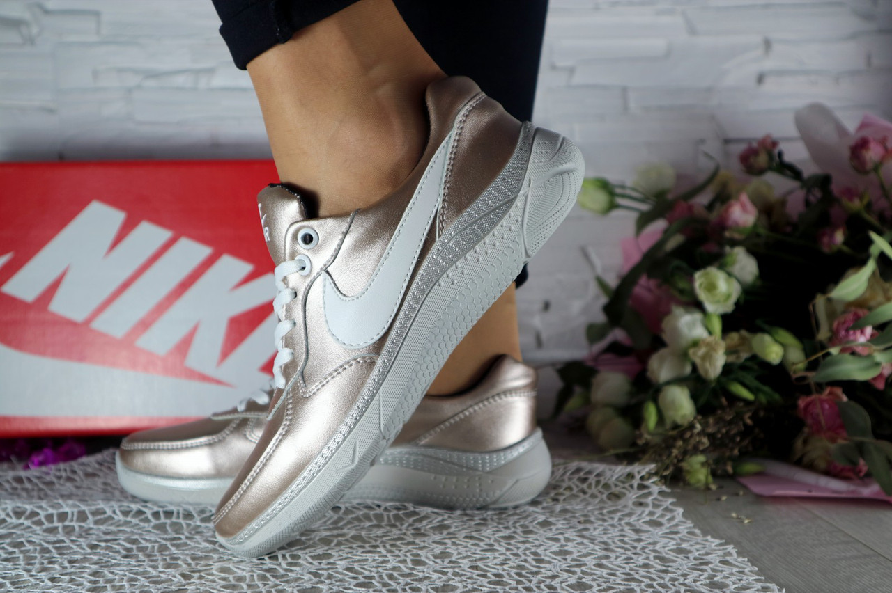 Жіночі кросівки шкіряні весна/осінь сріблясті CrosSAV 56