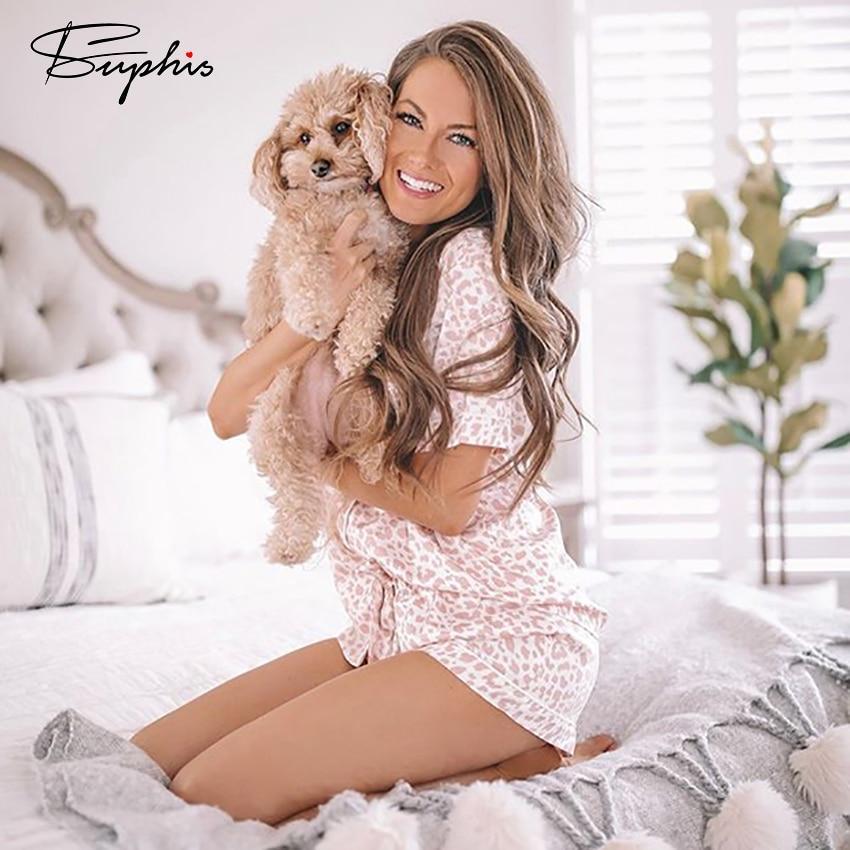 Піжама жіноча атласна на гудзиках. Комплект шовковий для дому, сну з леопардовим принтом (біла з рожевим) M