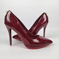 Женские лакированные бордовые туфли на высоком каблуке 36