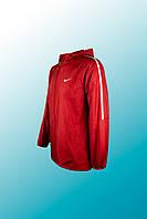 Женская спортивная куртка Nike красная, полоска