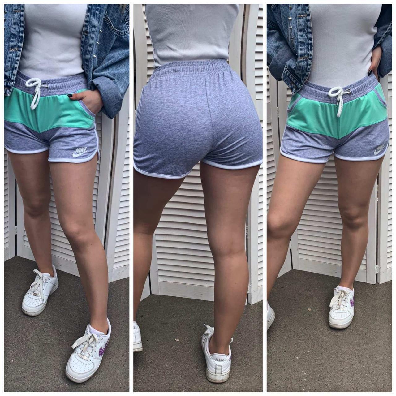 Женские спортивные шорты Nike