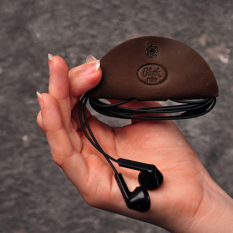 Кожаный холдер для наушников темно-коричневый