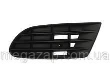 Решетка переднего бампера правая VW Golf 5 Plus (05-09)