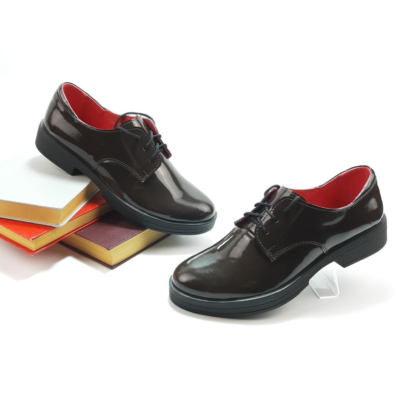 Туфли женские на низком ходу удобные, из натуральной лаковой кожи, коричневый лак.