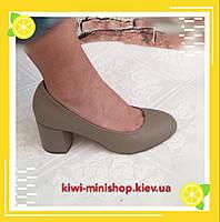 Женские классические туфли  каблук кожаные серый
