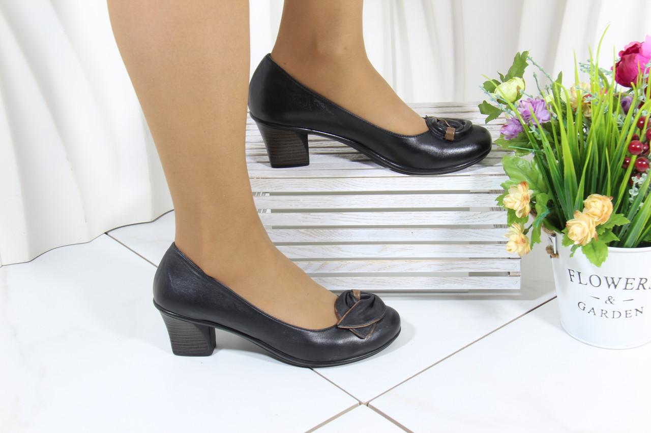 Шкіряні жіночі туфлі на підборах Bender K53-S-V