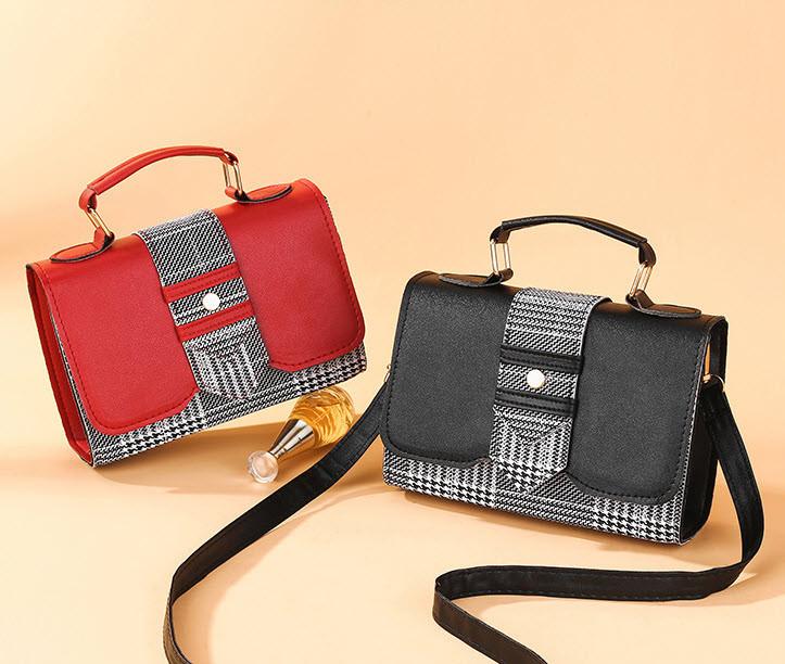 Стильная женская сумка сундук с вставками