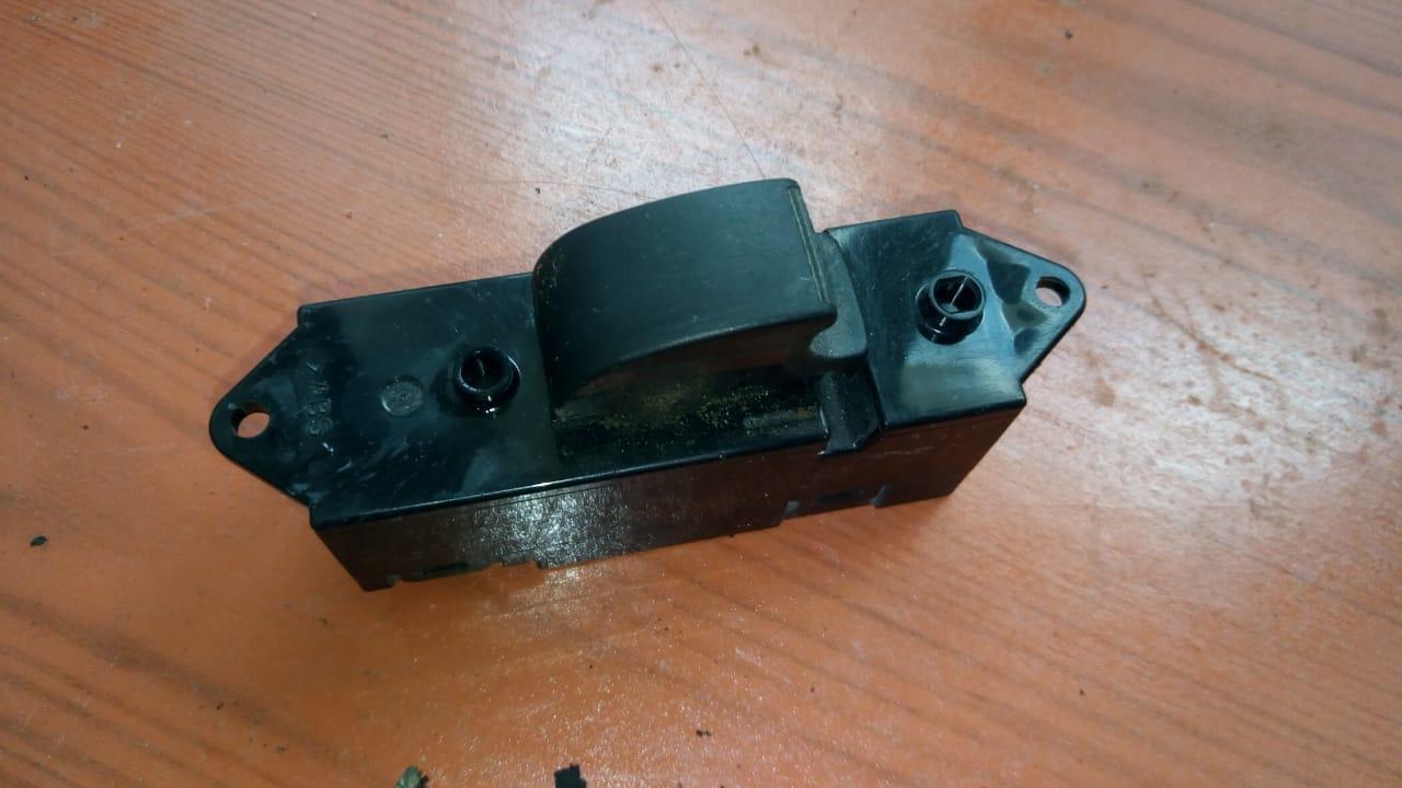 Кнопка стеклоподъёмника 8608A099 99165 Lancer 9 Mitsubishi