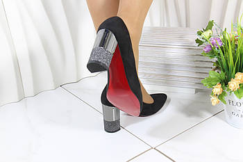 Чорні замшеві туфлі на каблукеVensi V327