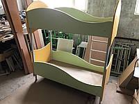 Дитяче 2-х ярусне ліжко з драбинкою