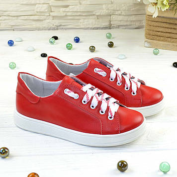 Детские кожаные мокасины на шнуровке, цвет красный