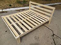 Двухспальная кровать из натурального дерева